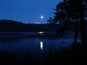jezioro noc swiętojańska